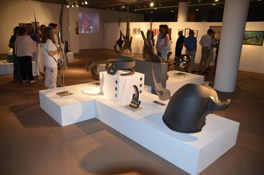 El pintor Andrés Mérida y el escultor Chico Repullo en el Museo de Nerja