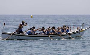 La Cala del Moral logra estar en el podio en todas las categorías de la regata de jábegas de El Palo