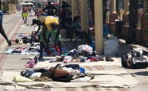 Empresarios alertan sobre la «crítica situación» de la venta ambulante ilegal en Benalmádena
