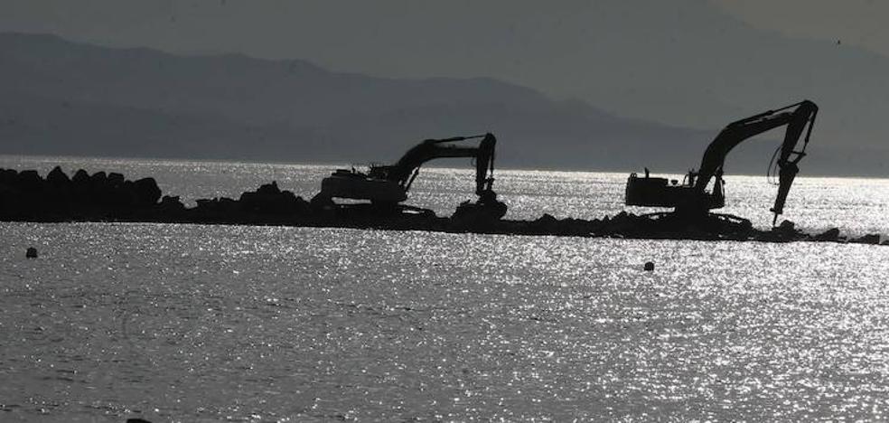 La reforma del espigón de La Térmica se topa con las quejas del Ayuntamiento