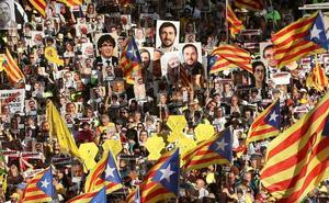 Miles de personas exigen la libertad de los líderes presos y la independencia