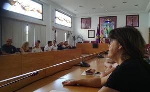 Más de 700 vecinos de Coín piden soluciones a su falta de agua potable
