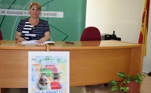 El Instituto Andaluz de la Mujer proporciona un verano más seguro a 93 víctimas de violencia machista en Málaga