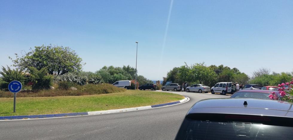Fracasan las medidas para evitar la invasión de coches en el entorno dunar de Artola