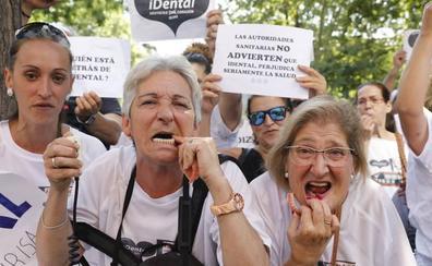Afectados por iDental reclaman en Madrid una solución para esta «estafa nacional»