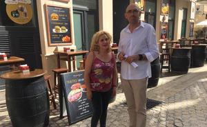 Izquierda Unida-Málaga para la Gente denuncia que Málaga tiene cada vez más espacio para bares y menos para peatones