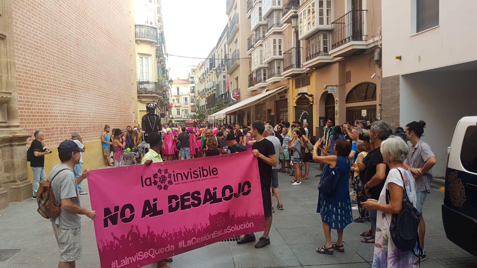 Manifestación contra el desalojo de la Casa Invisible