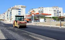 El plan de asfaltado llega a la mitad de su ejecución con una veintena de calles