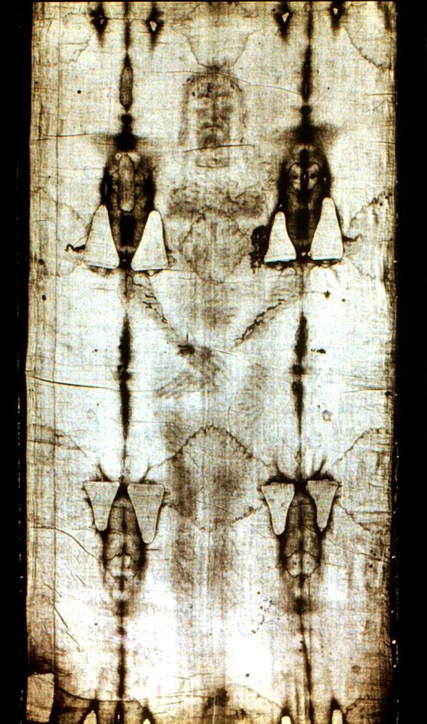 Parte frontal de la sábana santa. :: reuters/