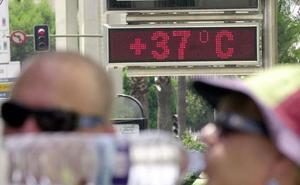 El terral subirá hoy las máximas hasta los 38 grados en Málaga y el Guadalhorce