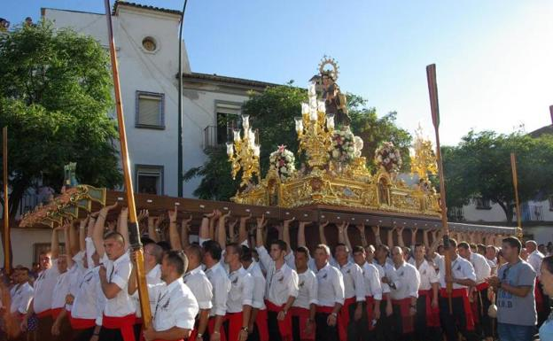 Tres procesiones de la Virgen del Carmen recorren Málaga este domingo