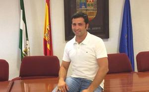 El concejal Juan González asume la Alcaldía de Villanueva del Rosario