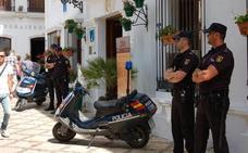 El alcalde de Estepona anuncia 20 nuevas plazas de policía local en 2019