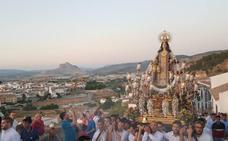 El Barrio del Carmen de Antequera, con su Virgen
