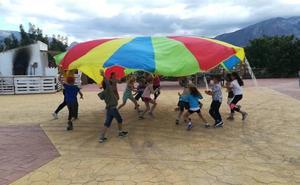 Nueve menores afectados por una posible intoxicación alimentaria en un campamento en La Viñuela