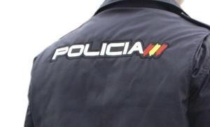 Siete años por dar un botellazo a un policía e intentar tirar a otro por un puente en Málaga