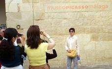 El turismo nacional se recupera este verano, aunque el extranjero se frena