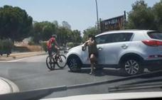 Una trifulca entre un ciclista y un conductor acaba en espectacular persecución en Torremolinos