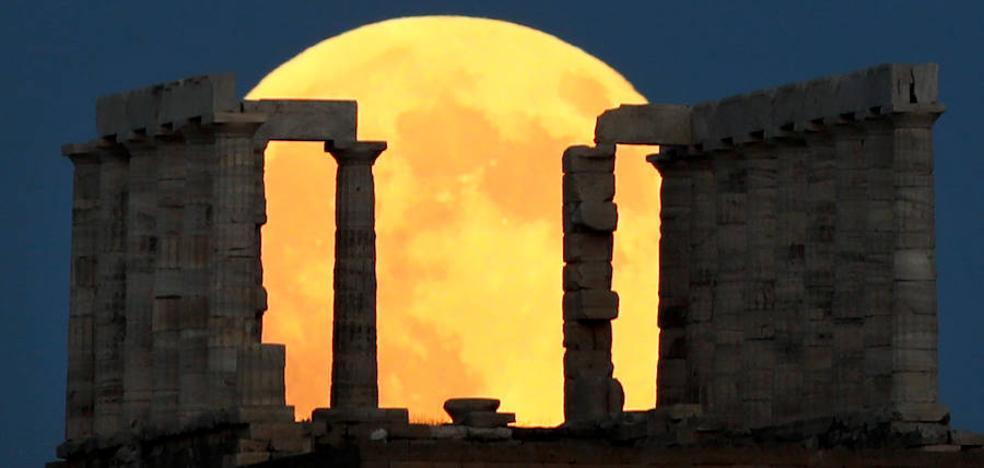 Cómo ver el eclipse total de luna más largo del siglo en Málaga