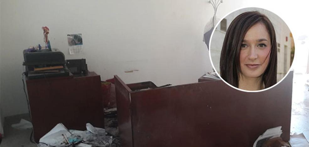 Investigan un incendio provocado en el despacho de la edil del Distrito Bailén-Miraflores