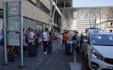 Retrasos puntuales y escasa incidencia en la primera jornada de protestas del taxi en Málaga