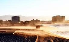 El terral y las altas temperaturas continuarán este lunes en Málaga