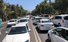 Un grupo de taxistas vuelve a cortar el Paseo del Parque de Málaga