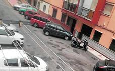 Marcas de orines y mugre en las calles
