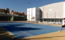 Un conflicto con la empresa mantiene cerradas las pistas municipales de tenis y pádel