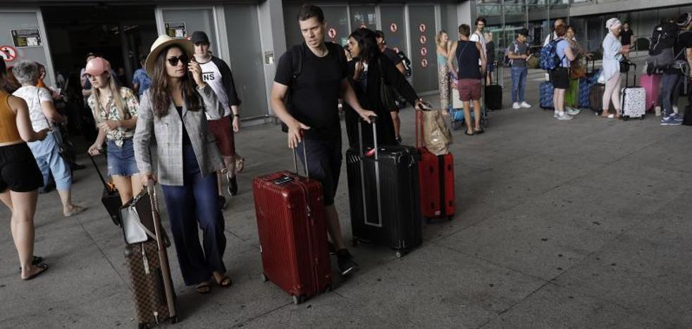 Málaga afronta más de un millón de desplazamientos en el inicio de la temporada alta de verano
