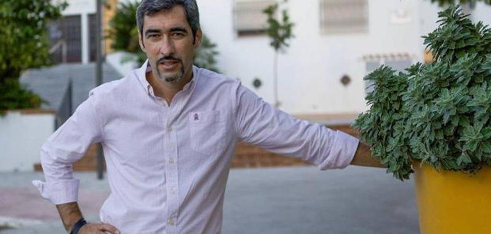 El alcalde de Benalmádena, entre los familiares afectados: «Tuvimos que sacar a nuestra abuela de allí»