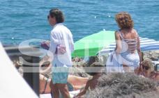Los Aznar en su refugio