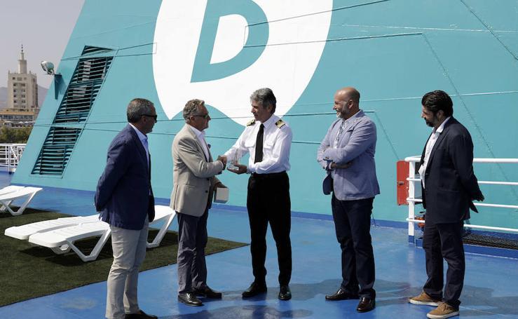 El primer viaje de la línea marítima Málaga-Tánger