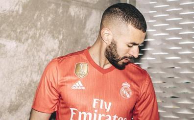 La tercera equipación del Real Madrid será coral y de plástico
