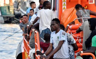 Más de 600 personas rescatadas en pateras que navegaban hacia aguas andaluzas