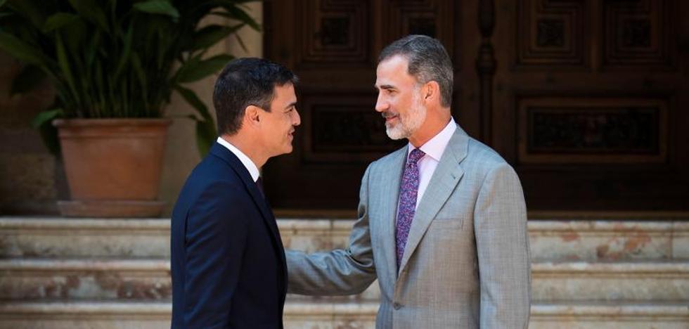 Sánchez dice tras su reunión en Marivent que el Rey «siempre ha tendido puentes con Cataluña»