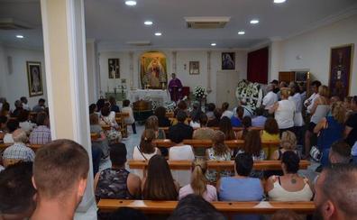 Multitudinario adiós a Fidel Jiménez Marín, el submarinista veleño fallecido en Barbate