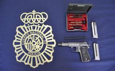 Un suicidio en Torremolinos destapa una red criminal dedicada al tráfico de armas en Málaga