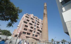 Las grietas de una de las chimeneas de la Misericordia alertan a los vecinos