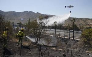 Un incendio obliga a cortar la autovía una hora en Torremolinos