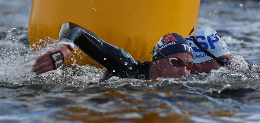 Un estreno ilusionante de las nadadoras malagueñas en la élite de aguas abiertas