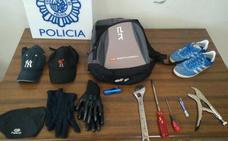 Cae una banda especializada en robos con fuerza en viviendas de Málaga