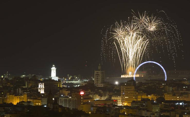 Así fueron los fuegos artificiales que inauguraron la Feria de Málaga 2018