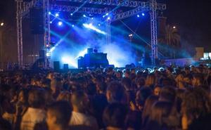 Electro con toques de reggaeton para triunfar en la primera noche de feria