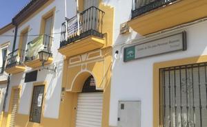 Calle Carboneros: un centro de mayores en La Trinidad que sigue cerrado
