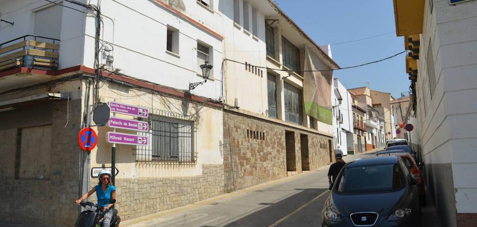 El antiguo teatro Lope de Vega de Vélez-Málaga suma tres años pendiente de rehabilitación