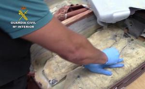 Pillado en el aeropuerto de Málaga con 5,5 kilos de heroína recubierta de curry para evitar su detección