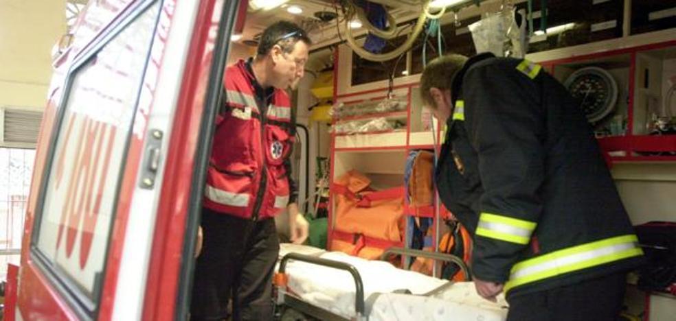 Bomberos actúan en un incendio en el Centro de Málaga