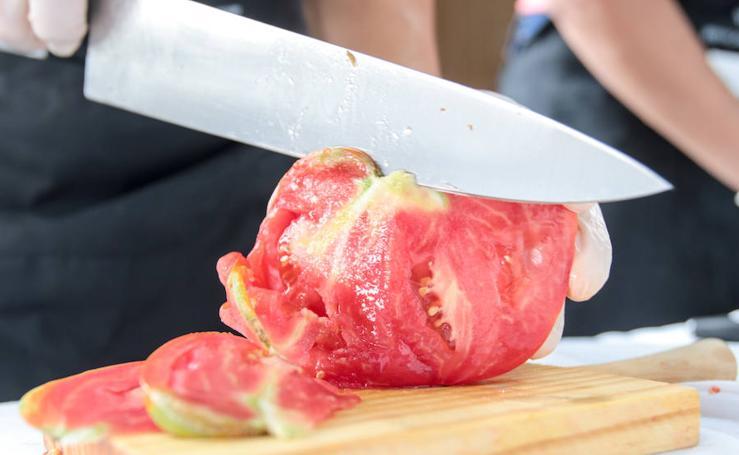 Subasta en Coín del tomate 'huevo de toro'