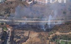Extinguido el incendio en Calahonda junto a la autovía de peaje